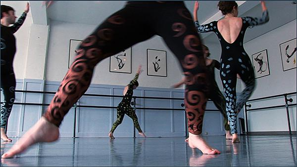"City in Motion Dance Company rehearses ""Fractals"""