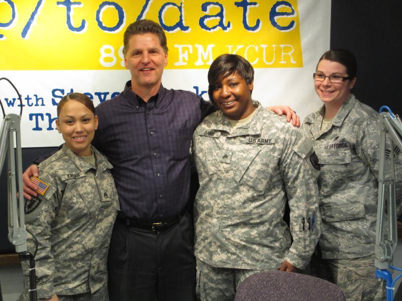 (L-R) Staff Sgt. Sharrah Jordan, Steve Kraske, Sgt. Nicole Davis, Sr. Airman Stephanie Holt