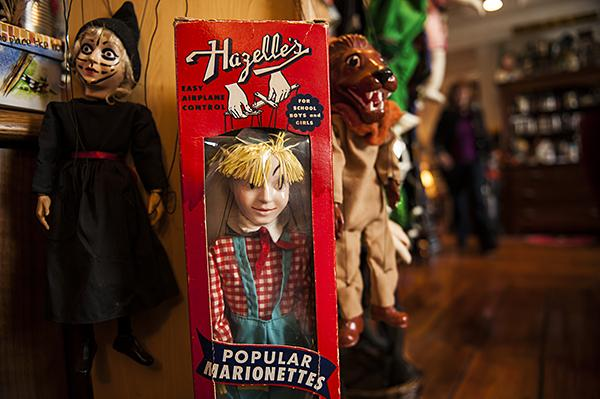 Kansas City puppet company Hazelle Inc. created its own set of Oz characters.