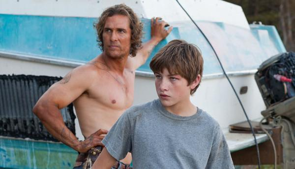 Matthew McConaughey and Tye Sheridan make unlikely comrades in 'Mud'