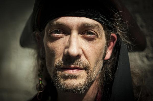 Kevin Payne as Richard Noland, a member of the Whydah's crew.
