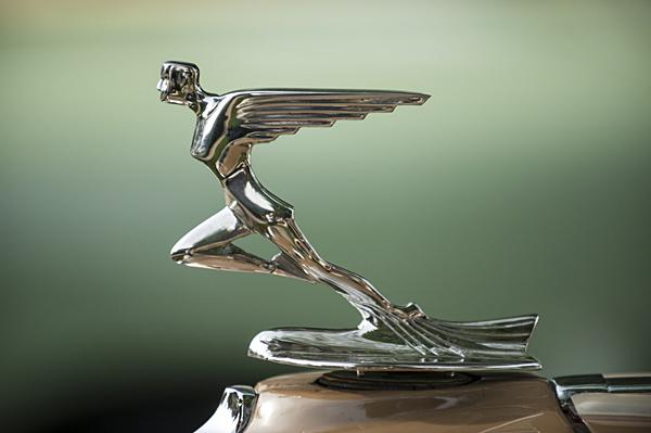 A hood ornament decorates a 1931 Auburn Cabriolet 8-98A.