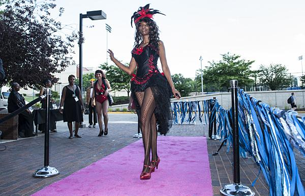 Lilith Moon from Evolution of Burlesque arrives at the festival opening.