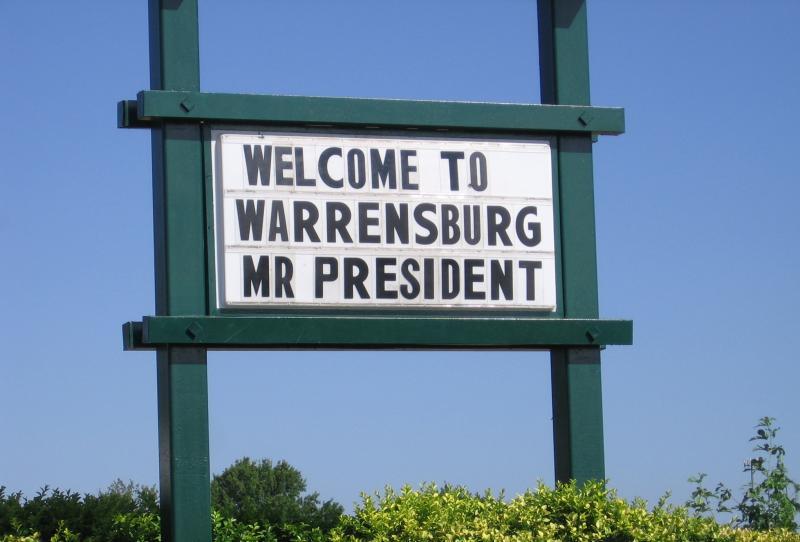 Warrensburg, MO restaurant offers greeting.