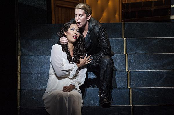 Joyce DiDonato, as Romeo, tries to persuade Nicole Cabell, as Giulietta, to escape with him. But Giulietta stays due to a sense of family honor.