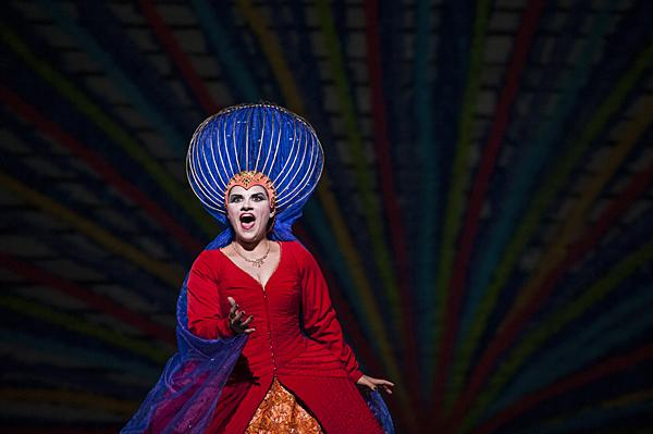 Kathryn Lewek,  as the Queen of the Night, tells Tamino that she longs to her her daughter Pamina, who has been kidnapped by the evil sorcerer, Sarastro. She promises Tamino that Pamina will be his wife if he can rescue her.