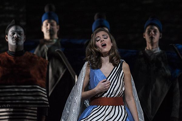 Lauren Snouffer, as Pamina, sings of her love for Tamino.