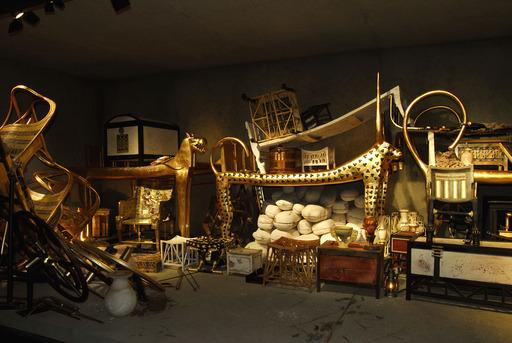 Artifacts, such as four shrines and Tutankhamun's sarcophagus, were reconstructed for the exhibition.