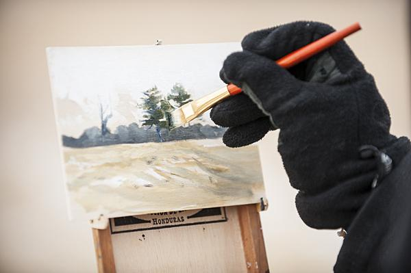 Bell uses oil to paint on cold days to prevent his medium from freezing.