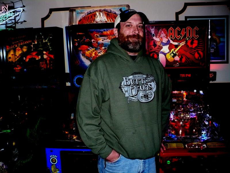 Artie Scholes opened 403 Club in 2011 at 403 N. 5th St. Kansas City, Ks. He is moving to a new, bigger location, less than a mile away. He plans to accommodate more pinball machines and tournaments at 617Reynolds Ave, Kansas City, Ks.