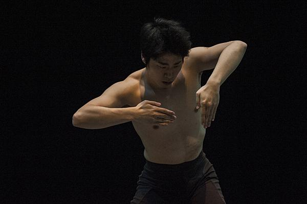 Creating a geometric form in space, KCB dancer Yoshiya Sakurai moves without music.
