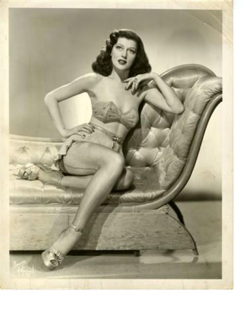 Ceil Von Dell. Eli Paul's research has yet to turn up any additional information about the beguiling performer.
