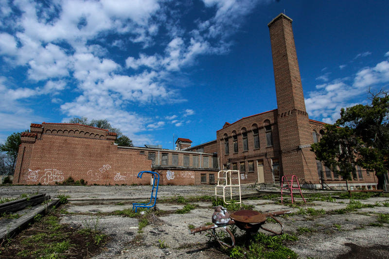 Willard Elementary, built 1924, has been closed since 2000. Vandals have scavenged the copper wiring and piping, causing significant damage. The school may be demolished.