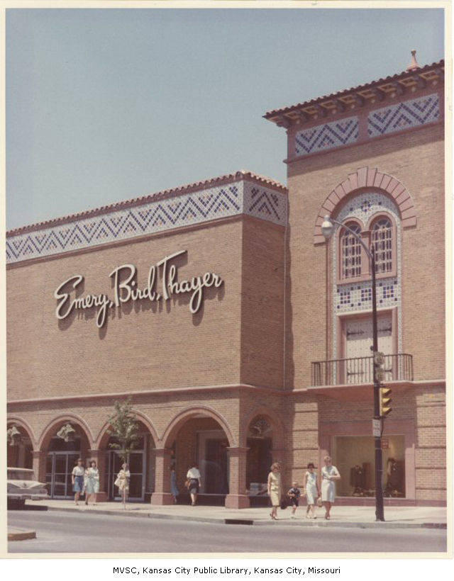 A branch of the store on the Country Club Plaza, 1964.