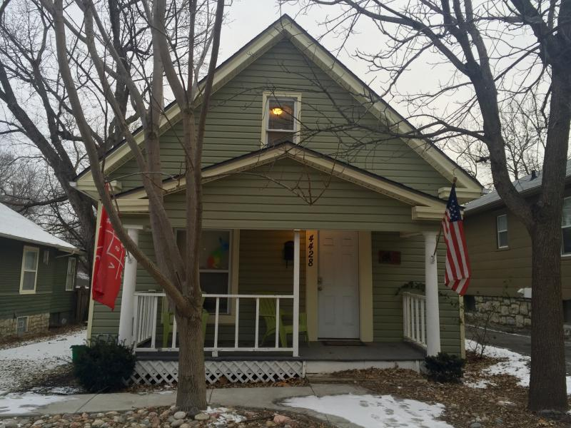 Digital nomad Chris Baran says he received a warm welcome and introduction to Kansas City's startup community while staying at the Hacker House, located on the west side of State Line Road near 45th Street.