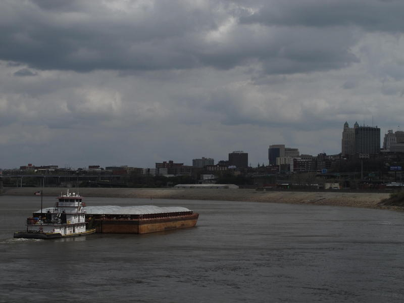 Since mid-February 2016, Kansas City's Woodswether Terminal has been receiving barges of fertilizer. The unseasonable winter allowed navigators to start earlier than the April 1 flow support day that the Army Corps of Engineers provides.