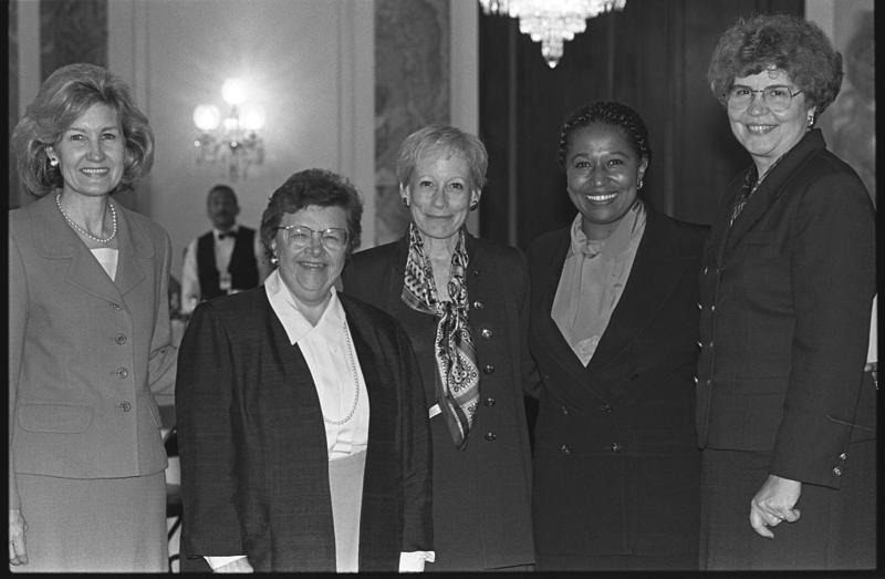 Senator Nancy Kassebaum (center) with guests at her retirement party in 1996 including (left to right) senators Kay Bailey Hutchison, Barbara Mikulski, Carol Moseley-Braun and Sheila Frahm