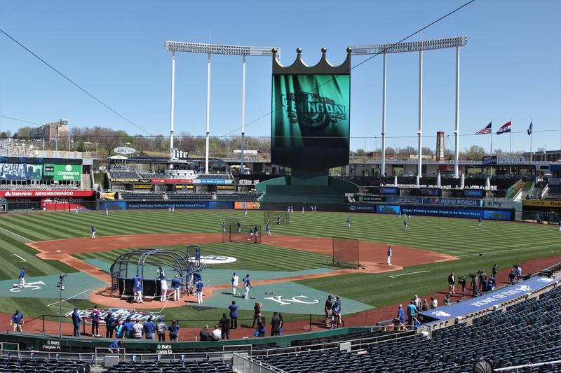 Royals practice in near-perfect weather shortly before the home opening game.