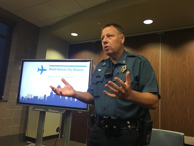 Kansas City Police Chief Rick Smith addresses the South Kansas City Alliance on Oct. 9, 2016.