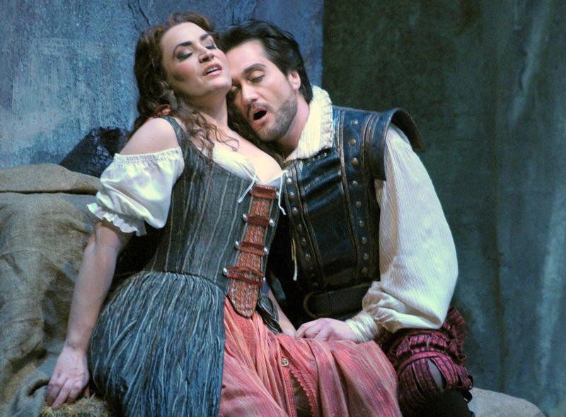 Nicole Piccolomini and Giuseppe Filianoti in the Lyric Opera of Chicago's 'Rigoletto.'