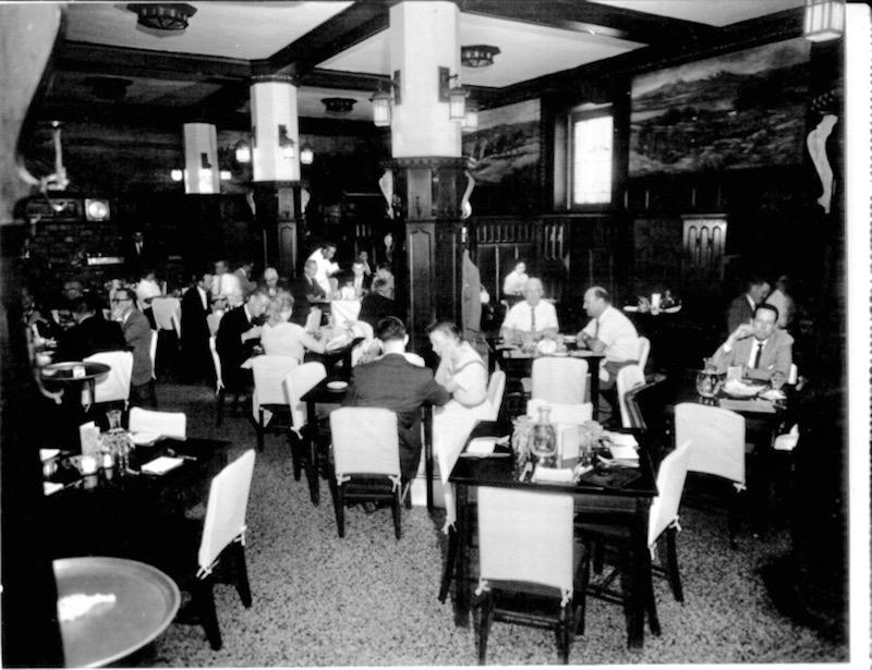 Diners at the Savoy Grill in the 1960s.