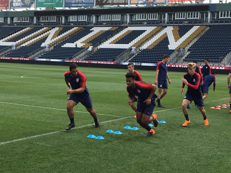 Erik Palmer-Brown (front right) warms up with the U.S. Men's National team over Memorial Day weekend in Philadelphia.
