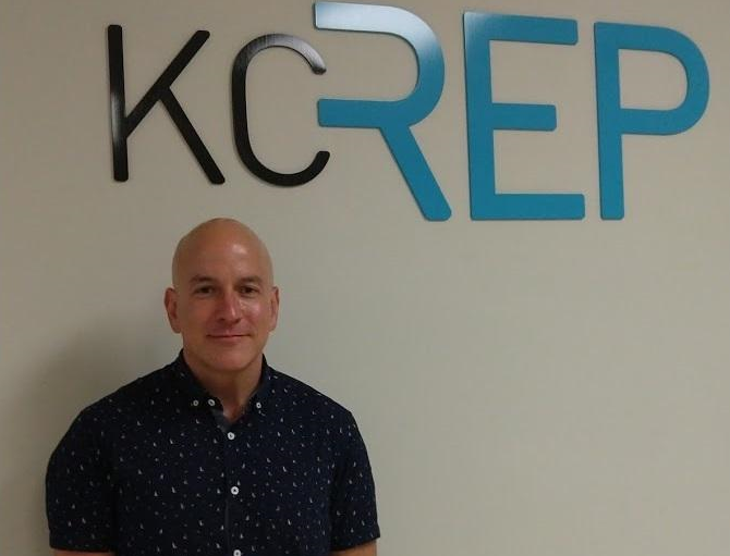 Eric Rosen, artistic director of the Kansas City Repertory Theatre, is leaving after 10 years with the organization.