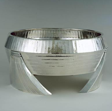 Zaire Centerpiece bowl, shown at the Exposition Internationale Coloniale, Maritime et d'Art Flamand, Antwerp, 1930.