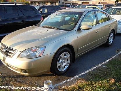 Eric James may have been driving a 2002 Nissan Altima, like the one shown above, with Kansas tags.