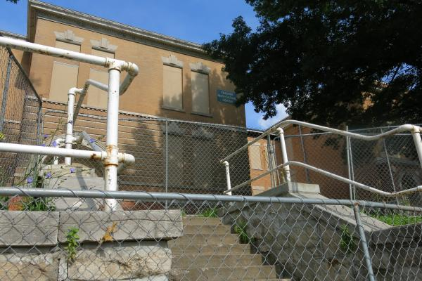 Community leaders in the Historic Northeast want to preserve the 115-year-old Thacher School off Independence Avenue. But the district is ready to demolish the school, which closed in 2009.