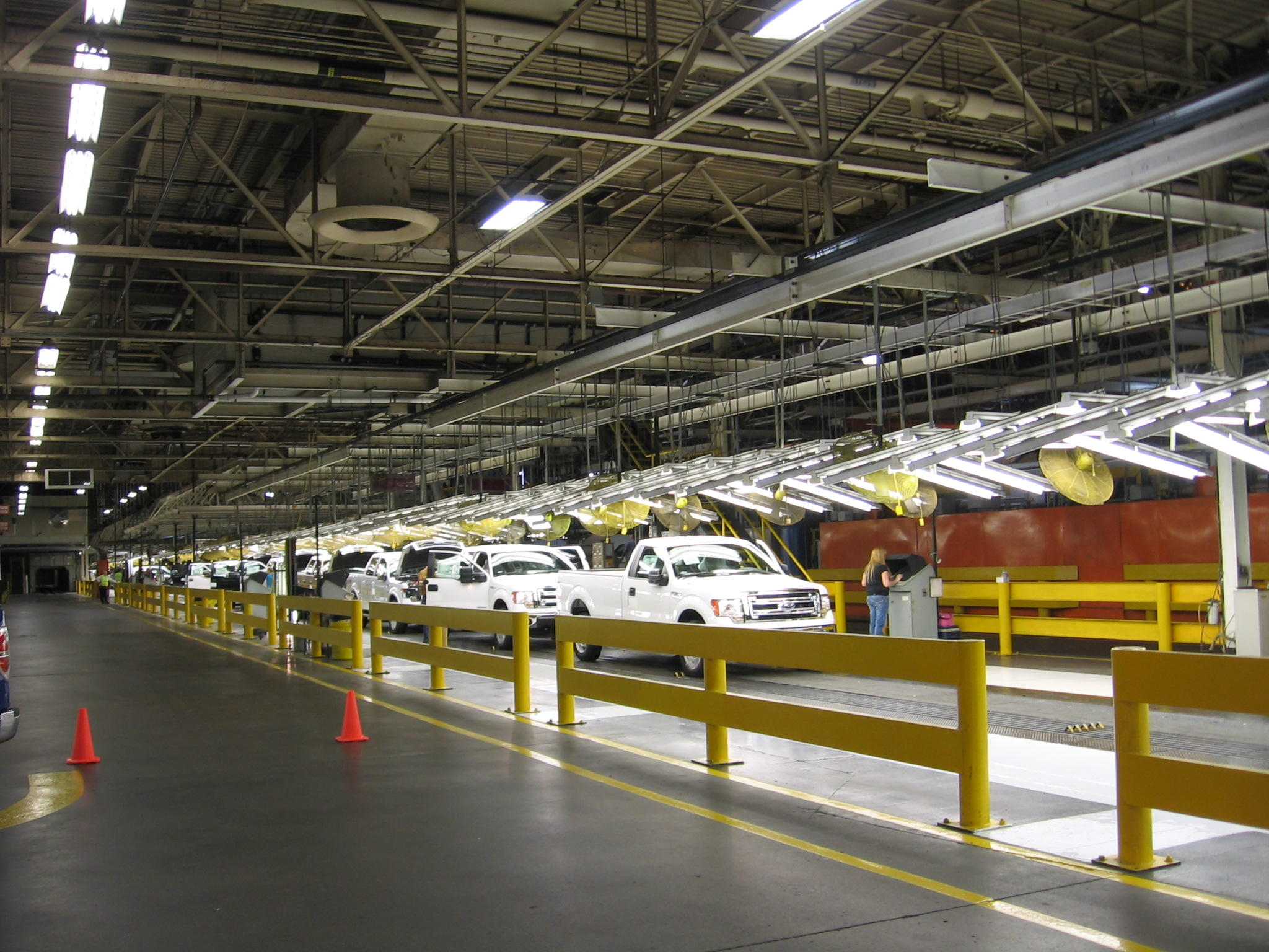 Third shift workers start at claycomo ford plant