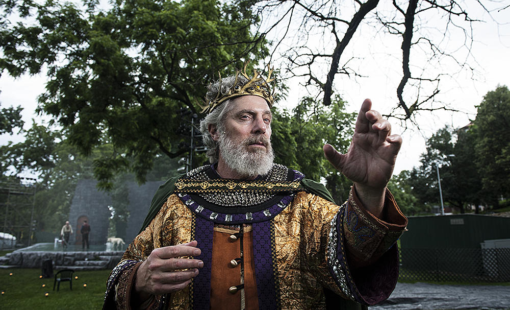 Actor John Rensenhouse As King Lear In Southmoreland Park.