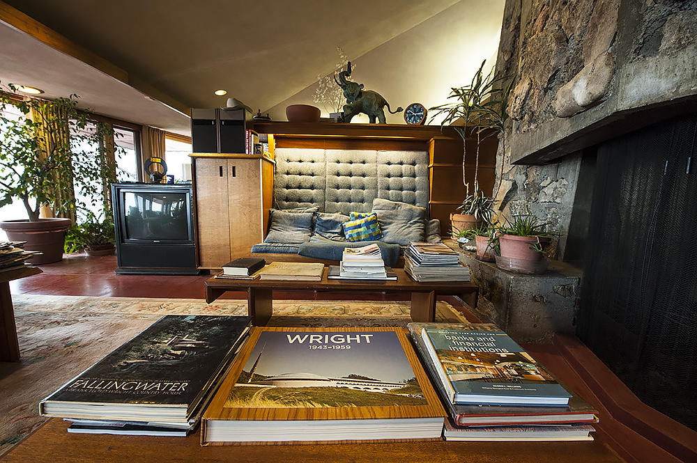 this frank lloyd wright home will take you back to 1950s kansas city kcur. Black Bedroom Furniture Sets. Home Design Ideas