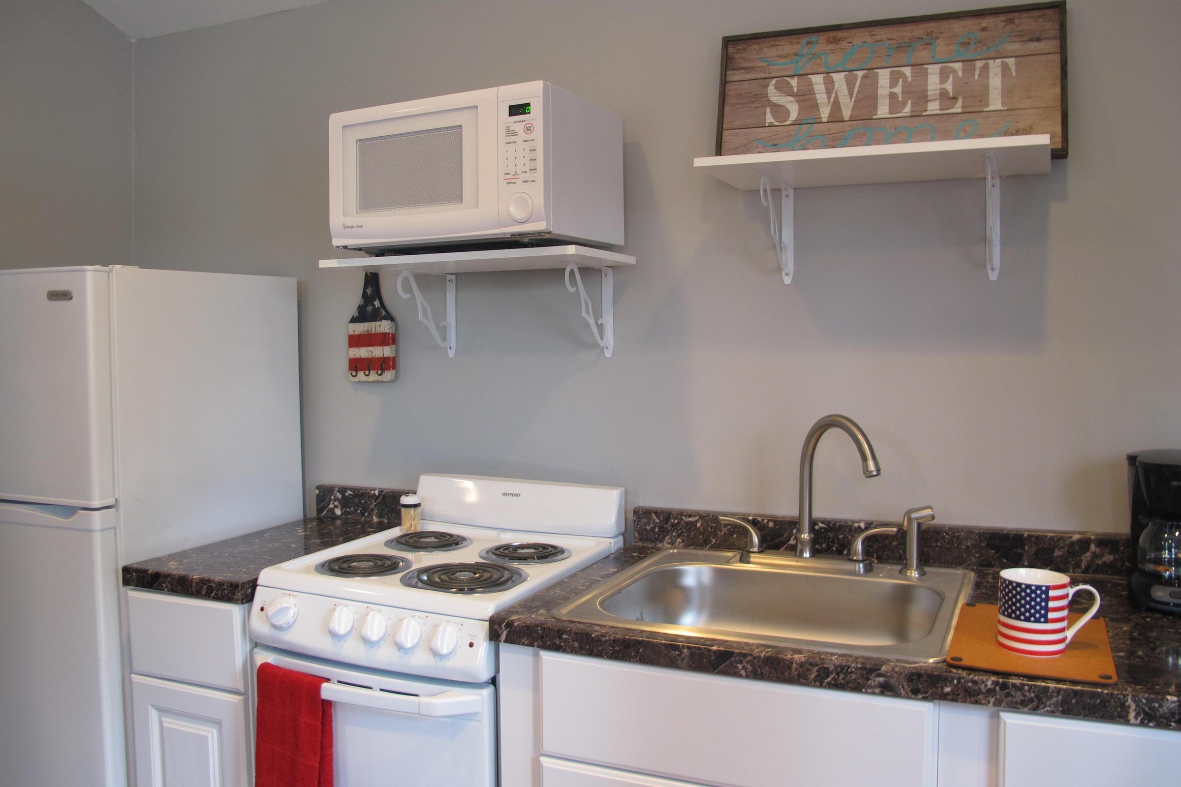 Kansas City Vets Build Tiny Houses For Homeless Comrades