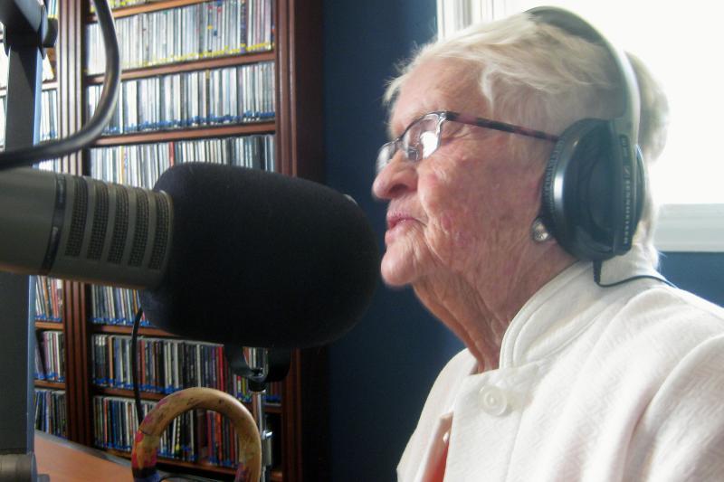 Rusty Burtard shares memories on KDNK's Senior Matters, June 14, 2017.