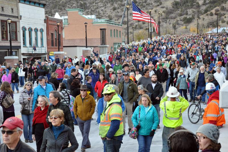 Estimates put the crowd at 3,000 at Monday's Grand Avenue Bridge opening in Glenwood Springs.
