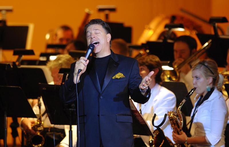 Steve Lippia is a Sinatra singer in Las Vegas.