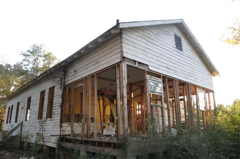 Located in Log Cabin, LA