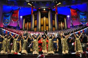 Dancers join the renowned Mormon Tabernacle Choir and Orchestra at Temple Square in a magnificent Christmas special featuring some of the season's best-loved songs.