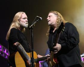 Gregg Allman and Warren Haynes perform in this star-studded event that celebrates the life and music of the legendary Levon Helm.