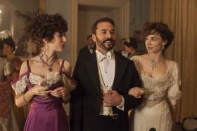 Shown from left to right: Katherine Kelly as Lady Mae, Jeremy Piven as Harry and Frances O'Connor as Rose
