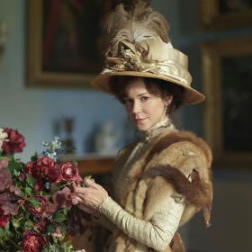 Shown: Frances O'Connor as Rose Selfridge