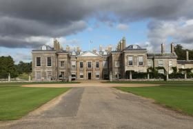 Take a tour of Althorp with Charles, the 9th Earl Spencer, brother of Princess Diana.