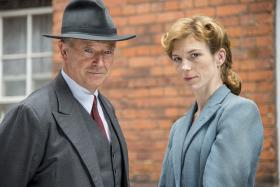 Michael Kitchen as DCS Christopher Foyle and Honeysuckle Weeks as Sam Stewart.