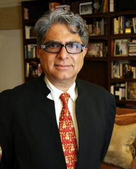 Renowned physician, best-selling author and educator Deepak Chopra presents a step-by-step action plan for permanent weight loss, healthy eating and healing our bodies.