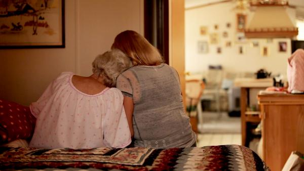 FRONTLINE explores the shadow world of assisted suicide, where the lines between legality and criminality are blurred. Shown: Joan Butterstein (left), terminally ill and contemplating suicide, with her daughter Kathleen (right).