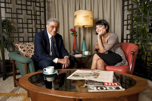 "Tony Bennett chats with Norah Jones. The two perform ""Speak Low."""