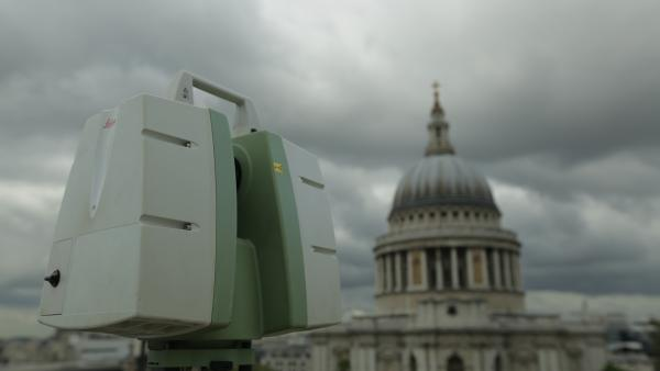 C10 scanner with view to St Pauls Cathedral. Scanner is located on the rooftop of One New Change.