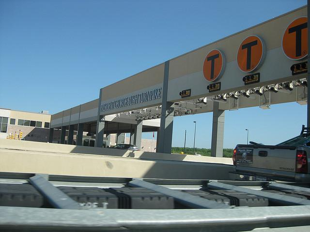 The NTTA's TollTags automatically bill drivers when they pass through toll gates.