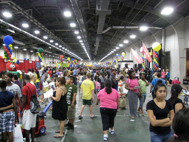 A busy Dallas Mayor's Back to School Fair